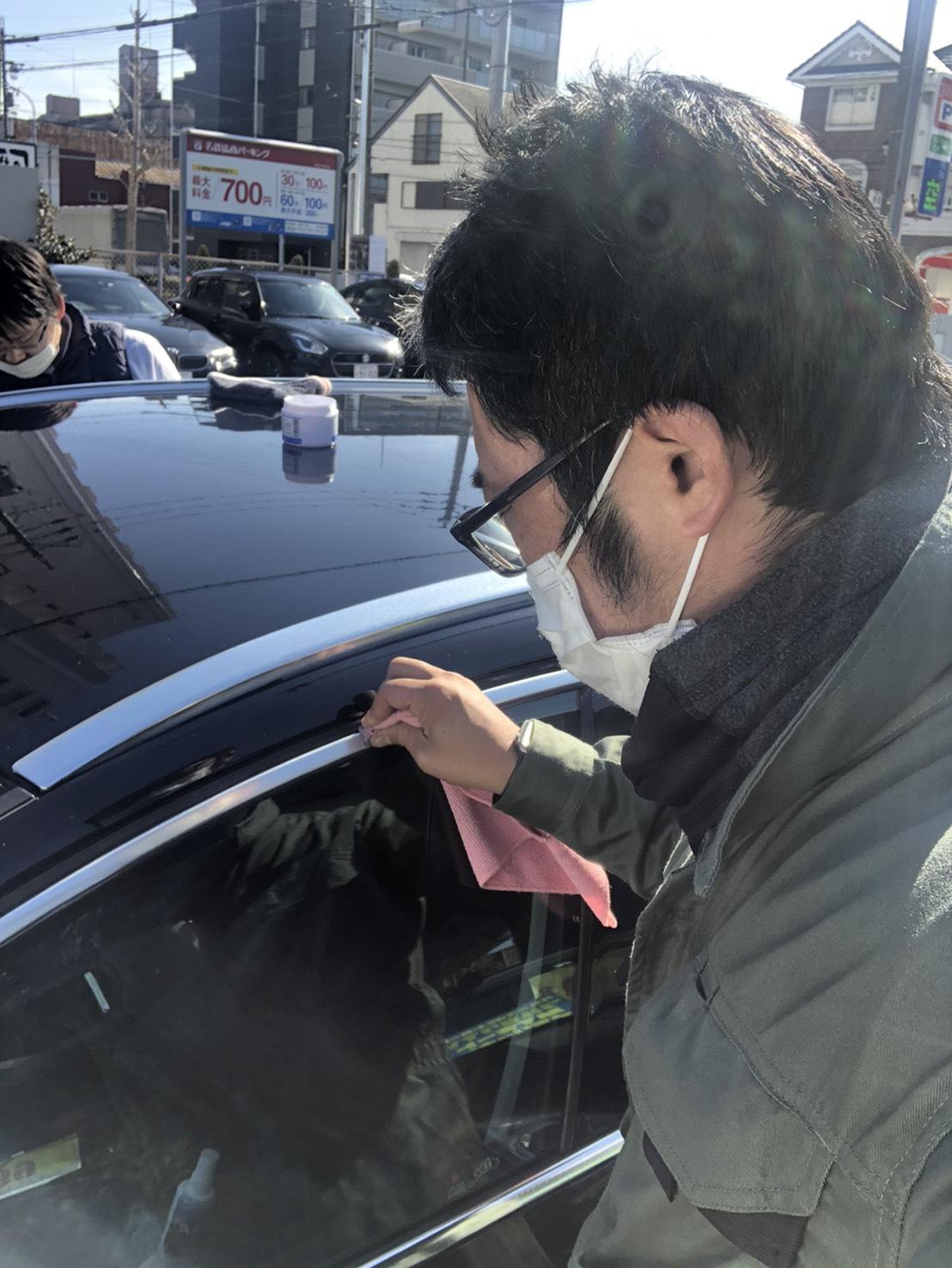 輸入車のアルミモール磨き☆